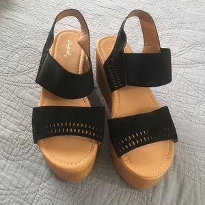 Qupid Platform Sandals Size 7